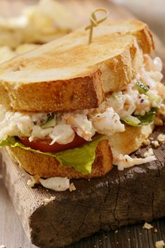 Shrimp Salad Recipe 2019 This shrimp salad recipe comes together in minutes and hits the spot for an easy lunch or dinner. Click her for this delicious classic recipe! The post Shrimp Salad Recipe 2019 appeared first on Lunch Diy. Seafood Salad, Seafood Dishes, Seafood Dip, Paula Deen, Salat Sandwich, Shrimp Salad Sandwiches, Fruit Sandwich, Vegan Sandwiches, Summer Salad Recipes