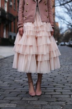 Spring outfit idea with gorgeous pink layered tulle skirt.