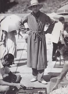 Comte Etienne de Beaumont in matching beach pyjamas and robe, c.1930. The last days of elegance on the beach.
