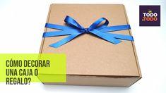 🎁Cómo envolver un REGALO o CAJA de REGALO, con un lazo o cinta? ✔WRAP GI... Diy, Gift Wrapping, Drinkware, Gift Bows, Gift Boxes, Fabric Bows, Ribbon Bows, Home Crafts, Gift Wrapping Paper