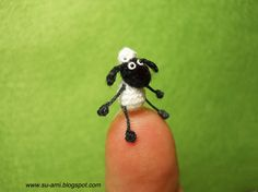 Tiny Shaun The Sheep Micro Cartoon Super crochet plush by suami