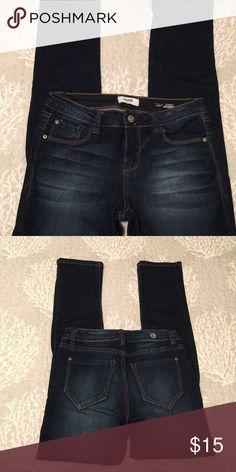 "Kensie jeans - Tomboy straight fit Like new.  Approximate measurements:  waist (flat): 13 1/2"", inseam: 27"" Kensie Jeans Straight Leg"