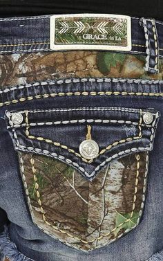 Women Jeans American Eagle **** Click VISIT link above for more options Mode Country, Country Girl Style, Country Fashion, My Style, Country Style Clothes, Country Chic, Country Life, Camo Outfits, Cowgirl Outfits