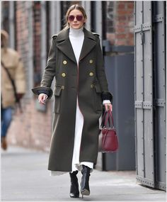OliviaPalermoFrance: Candids 6 Janvier 2017 - Olivia out in New York