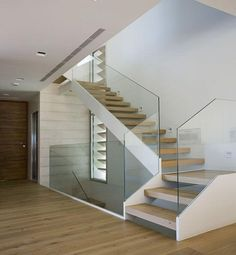 Modern Staircase Design Ideas - Browse motivational photos of modern stairs. With treads and also ra Dream House Interior, Interior Stairs, Glass Stairs, Glass Stair Railing, Stairs Window, Staircase Railings, Staircase Ideas, Staircase Pictures, Staircase Remodel