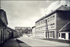 1967 Ivančice - ústav,vpravo nová budova nemocnice-interna a laboratoře Retro, Retro Illustration