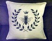 queen bee pillow case, white