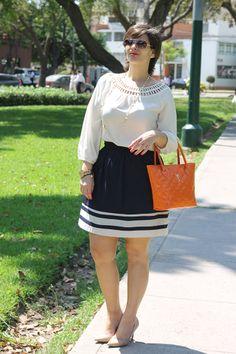 Divina Ejecutiva: Mis Looks - La cartera de charol #divinaejecutiva #officeattire #workinggirl #workinglook #orage #navyskirt #marlopez #tangerine #summer