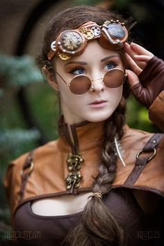 Steam up your Halloween with these steampunk costume ideas for women and men. You can either play it safe and pick a complete costume like our favorites below, Steampunk Cosplay, Viktorianischer Steampunk, Steampunk Dress, Steampunk Clothing, Steampunk Fashion, Steampunk Necklace, Renaissance Clothing, Gothic Fashion, Steampunk Makeup