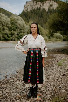 Folk Costume, Costumes, Traditional Dresses, Pretty Girls, Sari, Embroidery, People, Romania, Countryside