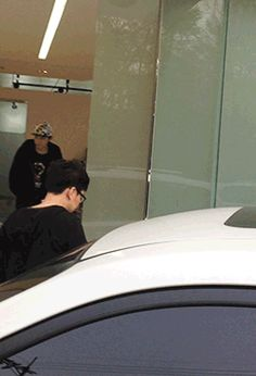 How to avoid sasaengs: Chanyeol Style.