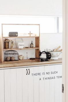 ●玄関に漆喰&靴箱に。。。を*明るくて可愛い玄関へ。&週末イベント情報と●|・:*:ナチュラルアンティーク雑貨&家具のお部屋・:*