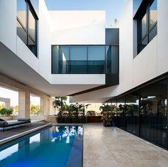 Duo Courts Villa, Kuwait - Inbani