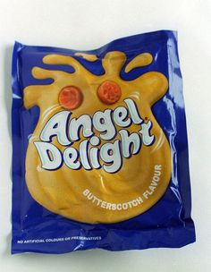 It's not like me to share anything from The Mirror BUT I do love this flavour! How Britain is undergoing a Seventies revival - Mirror Online 1980s Childhood, Childhood Memories, Vintage Sweets, Retro Sweets, Vintage Toys, 1970s Food, Almond Jelly, Nostalgia 70s, Angel Delight