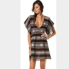 NWT Billabong dreaming of me dress size small Brown and white in color, never worn, new with tags, size small, perfect condition, exactly like the picture!! Billabong Dresses Mini