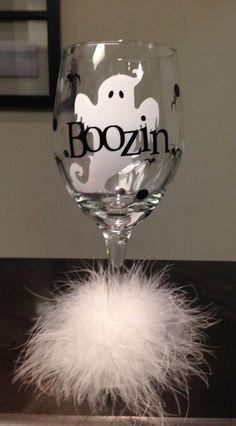 Wine Glasses - Boozin Booze Ghost Halloween Diva Wine Glass by DentalDivalicious Halloween Wine Glasses, Diy Wine Glasses, Hand Painted Wine Glasses, Vinyl Glasses, Christmas Glasses, Tea Glasses, Wine Glass Crafts, Wine Craft, Wine Bottle Crafts