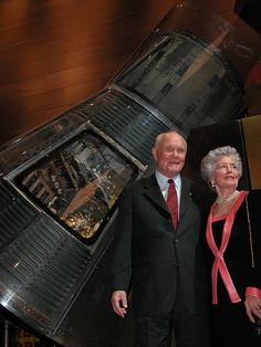 Former Senator John Glenn with his wife Annie as photographed standing next to Glenn's Mercury spacecraft, Friendship at the National Air and Space Museum in Washington, DC on Feb. Nasa Missions, Apollo Missions, Nasa Space Pictures, Project Mercury, Apollo Space Program, Apollo 11 Mission, American Space, John Glenn, Nasa History