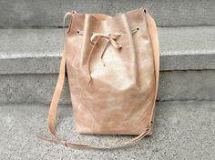 Tutorial DIY: Jak uszyć torbę - worek ze skóry ekologicznej przez DaWanda.com