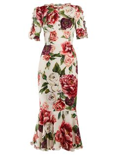 Shop our edit of women's designer dresses sale from luxury designers at MATCHESFASHION Modest Dresses, Nice Dresses, Modest Clothing, Floral Fashion, Fashion Dresses, Matches Fashion, Silk Charmeuse, African Print Fashion, Beautiful Outfits