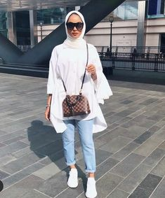 Shop the Lulus formal dress collection for your next special occasion. Hijab Fashion Summer, Modest Fashion Hijab, Modern Hijab Fashion, Modesty Fashion, Hijab Fashion Inspiration, Muslim Fashion, Street Hijab Fashion, Hijab Casual, Casual Outfits