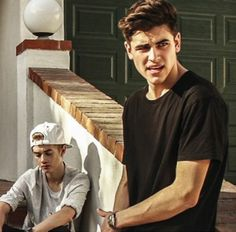 I don't mean to like freak you guys out but Jack G Kinda looks suspicious in this pic. And this pic is from their new music video. I think he is hiding something! MUST FIND OUT WHAT! Magcon Family, Magcon Boys, Hayes Grier, Nash Grier, Jack Dail, Jack Gillinsky, Sam Wilkinson, Jack Edwards, Omaha Squad
