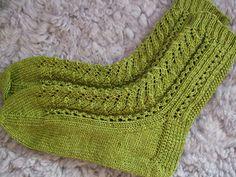 Freja socks pattern by Mia Dehmer / VickeVira Knitting For Kids, Knitting Socks, Hand Knitting, Knitting Patterns, Knit Socks, Mitten Gloves, Mittens, Lots Of Socks, Ladies Gents