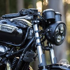 This OEM Triumph Headlight Bucket is a great option for swapping your stock chrome for black.It can also beused to make a complete headlamp assembly.