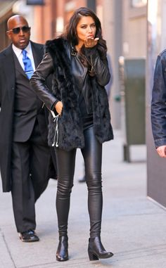 Adriana Lima from The Big Picture: Today's Hot Pics Kisses! The model rocks a leather outfit during an outing in NYC. Adriana Lima Outfit, Adriana Lima Style, Elizabeth Banks, Sarah Hyland, Alexandre Vauthier, Irina Shayk, Look Fashion, Fashion Outfits, Fashion Tips