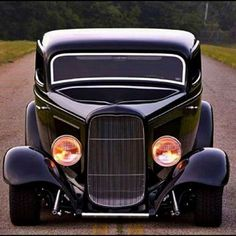 Rodz — The best vintage cars, hot rods, and kustoms Vintage Cars, Antique Cars, Derby Cars, Classic Hot Rod, Ford Classic Cars, Car Colors, Audi Cars, Car Ford, Expensive Cars