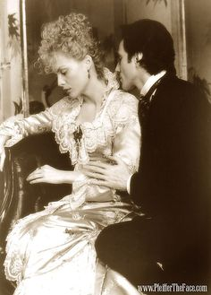 The Age of Innocence - Michelle Pfeiffer & Daniel Day Lewis---wonderful book by Edith Wharton. Michelle Pfeiffer, The Age Of Innocence, Martin Scorsese, Love Movie, I Movie, Romantic Films, Romantic Period, Daniel Day, Films