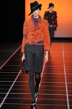 Giorgio Armani Fall 2012 Ready-to-Wear - Collection - Gallery - Style.com