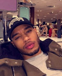 Image in Boys😍 collection by on We Heart It Cute Lightskinned Boys, Cute Black Guys, Gorgeous Black Men, Black Boys, Cute Guys, Pretty Boys, Beautiful Men, Fine Black Men, Handsome Black Men