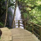 Construyen una pasarela de madera para facilitar el acceso al abrupto paraje de Augacaída, en el municipio de Pantón Weekend Plans, Spain Travel, Bella, How To Plan, Wooden Walkways, Motorhome, Elopements, Travel