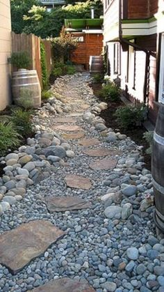 Awesome 88 Cool Front Yard Rock Garden Landscaping Ideas. More at http://www.88homedecor.com/2018/02/08/88-cool-front-yard-rock-garden-landscaping-ideas/