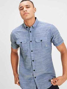 Nigerian Men Fashion, African Men Fashion, Collarless Shirt Men, Gents Kurta Design, Stylish Shirts, Kurta Designs, African Attire, Slim Fit, Shirt Style