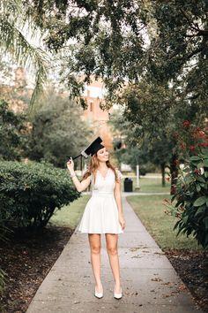 Graduation Picture Ideas Discover Graduations August & Katherine Photography University of central Florida grad photos College Graduation Pictures, Graduation Picture Poses, Graduation Photoshoot, Grad Pics, Grad Pictures, Graduation Portraits, Graduation Dress College, Short Graduation Dresses, Graduation Outfits