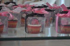 cute fashionista themed cupcakes