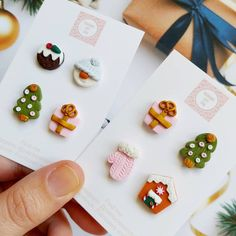 Fimo Clay, Handmade Polymer Clay, Polymer Clay Earrings, Clay Classes, Polymer Clay Christmas, Play Clay, Diy Crafts Jewelry, Christmas Earrings, Earring Tutorial