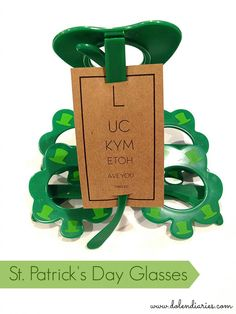 St. Patrick's Day Glasses and FREE printable tags!