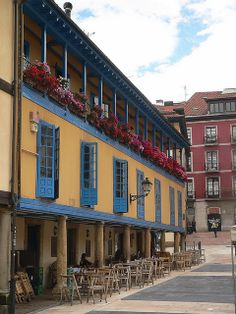 Oviedo. All About Spain, Vietnam, Places In Spain, Quiver, Cityscapes, The Good Place, Memories, Explore, Natural