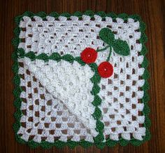 Free Crochet Patterns: Christmas Crochet Paper Napkin Holder