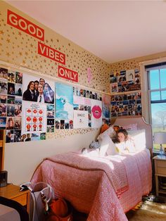 31 Gorgeous Dorm Rooms You'll Want To Copy ~ Top Design Cute Room Ideas, Cute Room Decor, Teen Room Decor, Tumblr Room Decor, Cool Dorm Rooms, Dorm Room Designs, Aesthetic Room Decor, College Room, Cozy Room