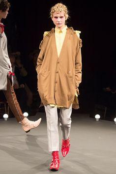 Sfilata Undercover Parigi - Collezioni Primavera Estate 2016 - Vogue