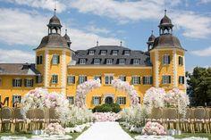 Wedding in Carinthia Austria * Schloss Velden * wedding ceremony outdoor white blush Wedding Ceremony Ideas, Carinthia, Austria, Mansions, House Styles, Outdoor, Decor, Outdoor Wedding Ceremonies, Outdoors
