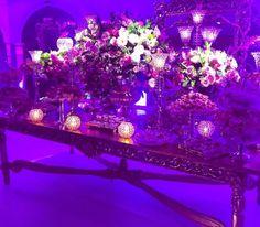 Larissa Manoela é um verdadeiro fenômeno entre crianças no Brasil – com diversos trabalhos artísticos em seu currículo, a atriz, que ficou conhecida como a Maria Joaquina do mais recente remake da novela Carrossel, causou furor com a sua festa de 15 anos, celebrada em um buffet de luxo em São Paulo. O evento vi