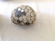 Main peint pierre roche / moutons / plage Pierre / cadeaux / Pierre art / peinture / acrylique / home décor déco rock