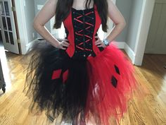 Harley Quinn Tutu by ThatKraftyKitten on Etsy Harley Quinn Halloween Costume, Halloween Kostüm, Couple Halloween, Halloween Costumes For Kids, Harley Quinn Disfraz, Superhero Dress Up, Tutu Costumes, Cosplay Costumes, Costume Ideas