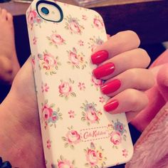 Design your individual and protective case. Cool Cases, Cute Phone Cases, Iphone Cases, Iphone Phone, Coque Iphone 5s, Paisley, Phone Accesories, Floral Iphone Case, Apple Products