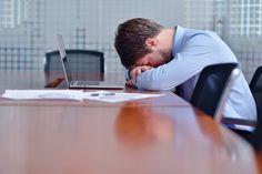 Die Arbeit im Büro ist ungefährlich? Vielleicht auf den ersten Blick, doch gibt es auch dort einige Gefahren, die sogar tödlich enden können...