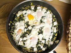 Spinat-Shakshuka und Käse-Knisches | Foodina